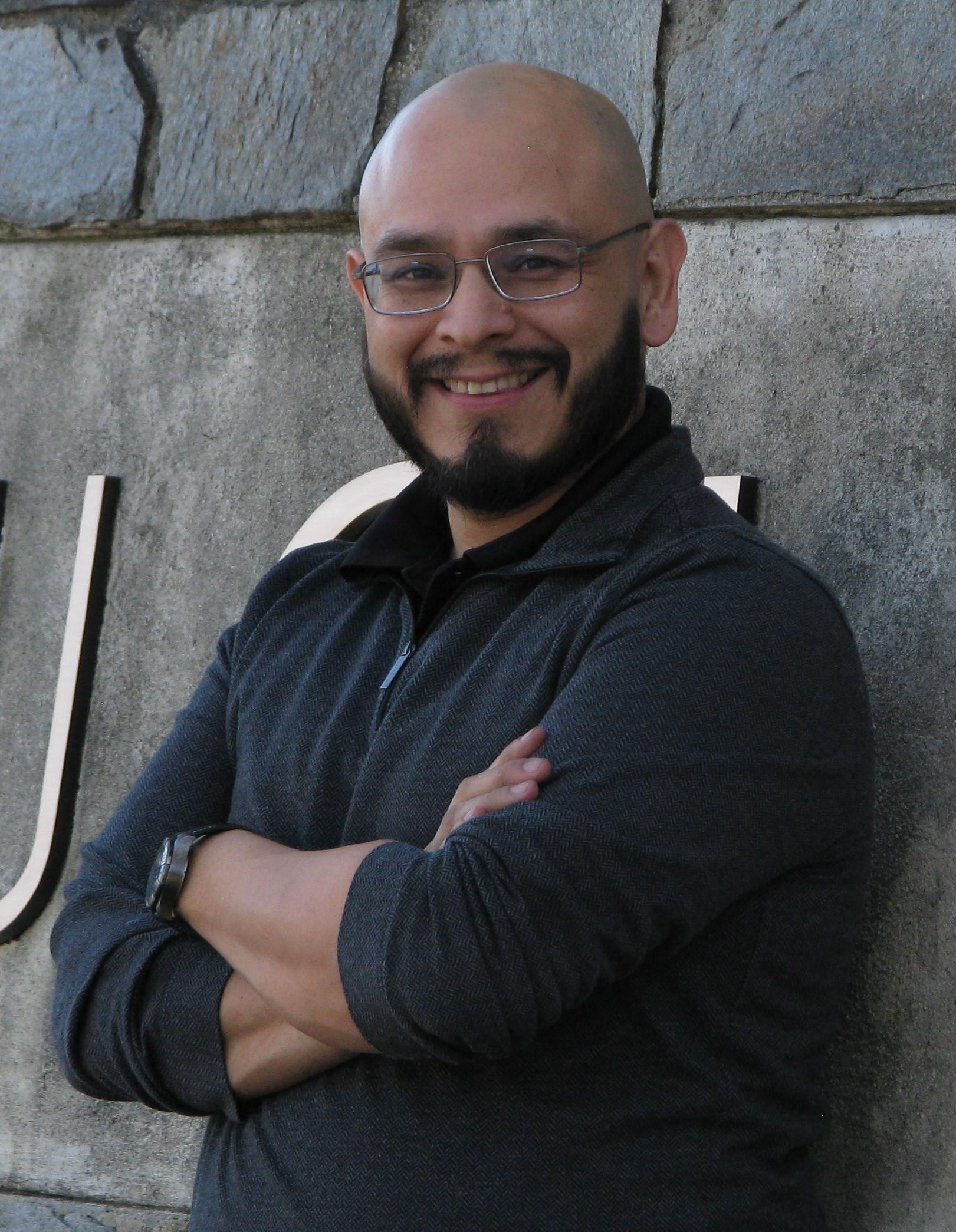 Guillermo Aviles-Rodriguez Headshot