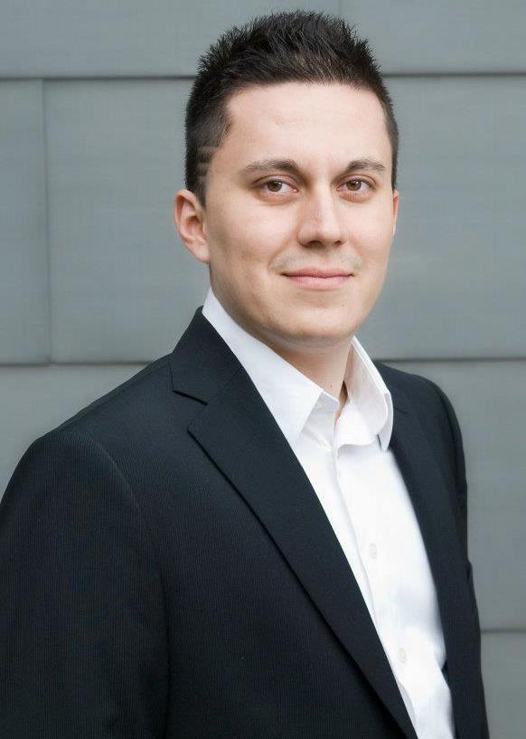 Professional Headshot of Osvaldo Ramírez Vidales